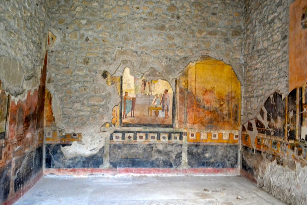 Wall paintings in a Pompeii villa. Many of the best artifacts and artworks from Pompeii are actually on view in the Museo Archeologico Nazionale di Napoli.
