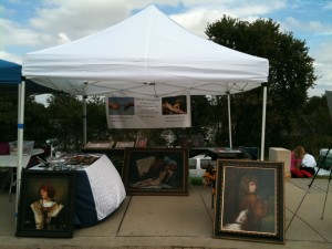 An art fair or craft show can allow independent artists to show their work to the public, without having to buy into vanity gallery space.