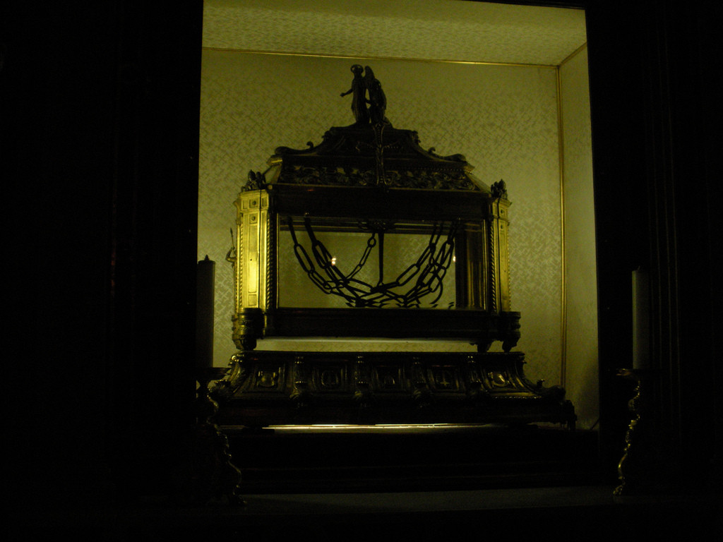 The reliquary of Saint Peter's chains.