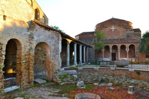 What remains today of Torcello's past glorious structures. What remains today of Torcello's past glorious structures.