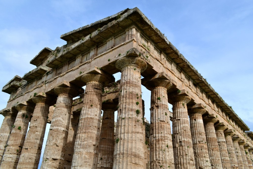 The second Temple of Hera dates from 460-450 BC, and is located close to the first temple.